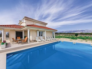 Awesome home in Novalja w/ WiFi and 3 Bedrooms