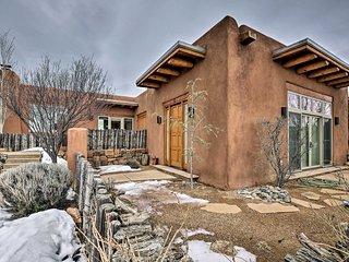 Adobe-Style Santa Fe Home - 17 Mi. to Ski SF!