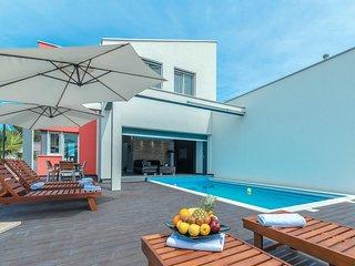 Zeer bijzonder moderne villa (CDZ318)