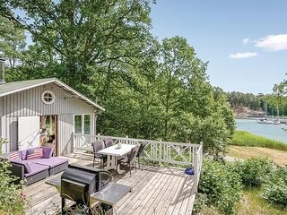 Beautiful home in Värmdö w/ Jacuzzi, WiFi and 3 Bedrooms