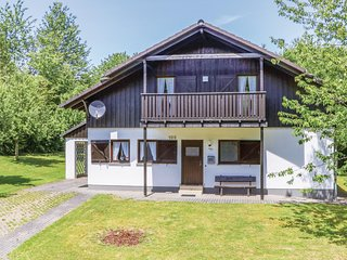 Nice home in Thalfang w/ 3 Bedrooms and WiFi (DHU208)
