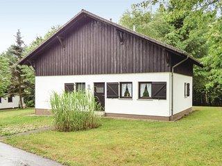 Awesome home in Thalfang w/ 2 Bedrooms (DHU224)