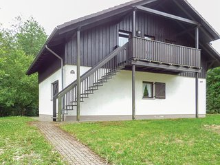 Nice home in Thalfang w/ 2 Bedrooms