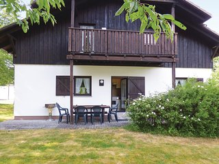 Beautiful home in Thalfang w/ 4 Bedrooms and WiFi (DHU227)
