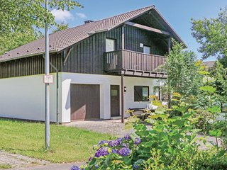 Beautiful home in Thalfang w/ 4 Bedrooms