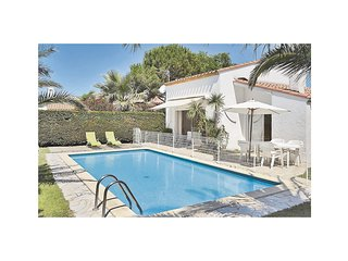 Amazing home in St. Cyprien Plage w/ 2 Bedrooms and Outdoor swimming pool