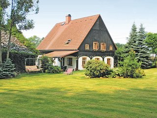 Amazing home in Dolni Rasnice w/ WiFi, 3 Bedrooms and Outdoor swimming pool