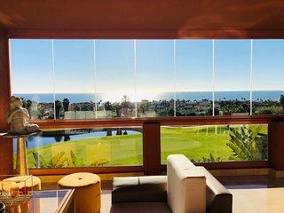 Exclusivo Apartamento en Primera Línea de Golf