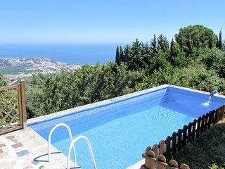 3 bedroom Villa with Pool - 5777523