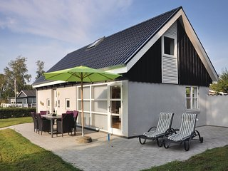 Beautiful home in Sydals w/ Sauna, WiFi and 3 Bedrooms (F09270)