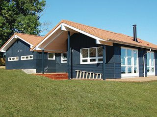 Awesome home in Augustenborg w/ Sauna, WiFi and 4 Bedrooms