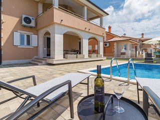 Beautiful home in Pula w/ WiFi and 4 Bedrooms
