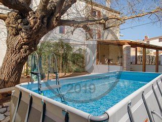 Beautiful home in Pula w/ WiFi, Outdoor swimming pool and 2 Bedrooms