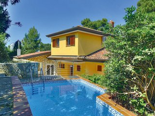 Amazing home in Buje with WiFi and 3 Bedrooms (CIU136)