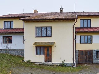 Nice home in Sedlec-Prcice w/ WiFi and 2 Bedrooms
