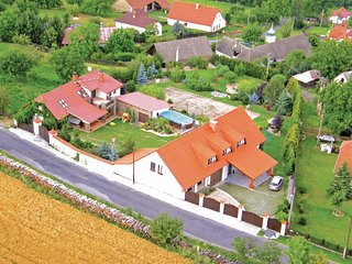 Amazing home in Sedlec-Prcice w/ 4 Bedrooms and Outdoor swimming pool