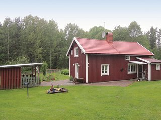 Stunning home in Sunhultsbrunn w/ Sauna and 3 Bedrooms (S05421)
