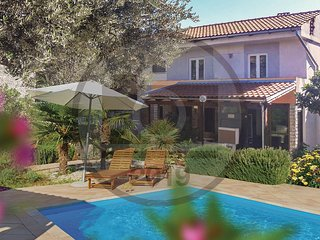 Nice home in Pavicini w/ WiFi, 4 Bedrooms and Outdoor swimming pool