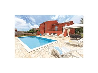 Nice home in Pula w/ WiFi and 4 Bedrooms