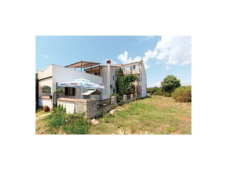Awesome home in Pula w/ WiFi and 2 Bedrooms