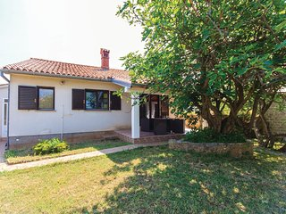 Beautiful home in Medulin w/ WiFi and 2 Bedrooms