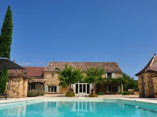 Holiday home with private pool near Monpazier