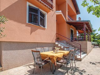 Amazing home in Sibenik w/ WiFi and 4 Bedrooms