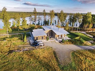 Stunning home in Skillingaryd w/ Sauna and 4 Bedrooms