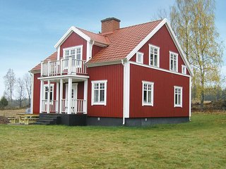 Awesome home in Eksjo w/ 3 Bedrooms