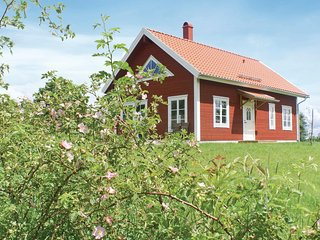 Amazing home in Vetlanda w/ WiFi and 3 Bedrooms