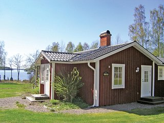 Nice home in Hovmantorp w/ Sauna and 2 Bedrooms