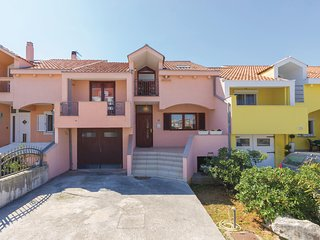 Beautiful home in Zadar w/ WiFi and 2 Bedrooms (CDZ260)