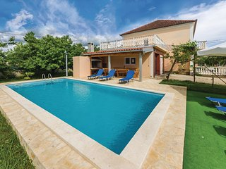 Stunning home in Skabrnja w/ WiFi and 5 Bedrooms