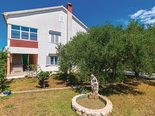 Beautiful home in Zadar w/ WiFi and 2 Bedrooms