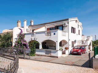Stunning home in Drage w/ WiFi and 1 Bedrooms