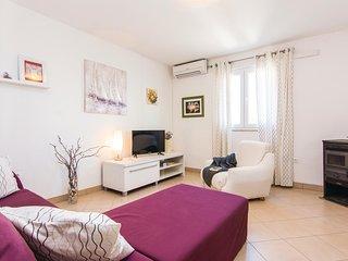 Amazing home in Slivnica Gornja w/ 2 Bedrooms