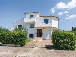 Amazing home in Biograd w/ WiFi and 5 Bedrooms