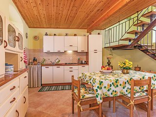 Stunning home in Vodnjan w/ WiFi and 3 Bedrooms
