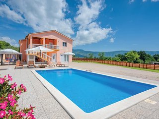 Beautiful home in Podpican w/ WiFi and 3 Bedrooms
