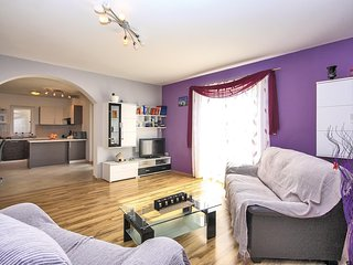 Beautiful home in Bibici w/ WiFi and 3 Bedrooms