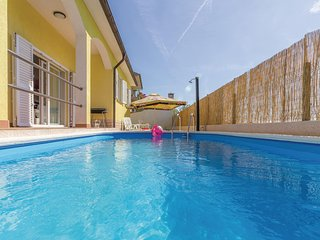 Amazing home in Vodnjan w/ WiFi and 3 Bedrooms