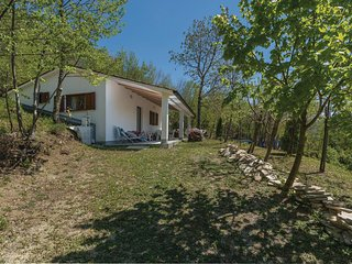 Beautiful home in Dolenja Vas w/ WiFi and 2 Bedrooms (CIC499)