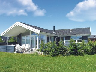 Beautiful home in Otterup w/ Sauna, WiFi and 3 Bedrooms
