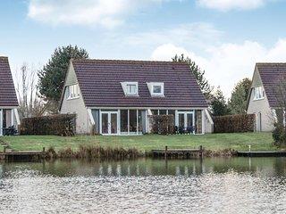 Stunning home in Vlagtwedde w/ Indoor swimming pool, Sauna and 4 Bedrooms