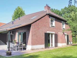 Awesome home in Overloon w/ Sauna, WiFi and 6 Bedrooms (HNB055)