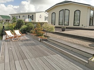Beautiful home in Sint-Annaland w/ Sauna, WiFi and 3 Bedrooms