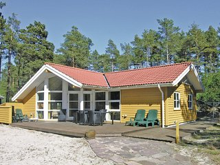 Stunning home in Nexø w/ Sauna, WiFi and 3 Bedrooms