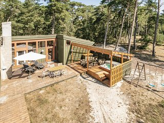 Nice home in Nexø w/ WiFi, 3 Bedrooms and Jacuzzi