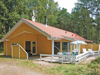 Beautiful home in Nexø w/ Sauna, WiFi and 4 Bedrooms