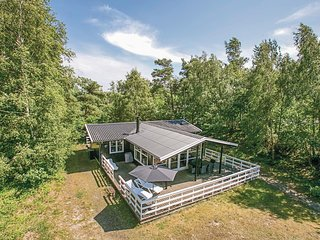 Beautiful home in Aakirkeby w/ WiFi and 3 Bedrooms (I52508)